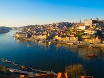 Ribeira na luz larga do dia, Porto, Portugal Imagem de Stock