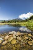 Ribeiro e rochas nas montanhas Foto de Stock Royalty Free
