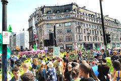 Ribellione di estinzione ad Oxford Circus immagine stock libera da diritti