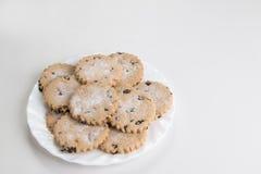 Ribes/bisciuts di pasqua su un piatto bianco Fotografia Stock Libera da Diritti