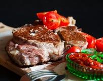 Ribeye牛排,西红柿 免版税图库摄影