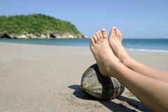 rica Косты кокоса пляжа женское отдыхая тропическое Стоковые Изображения RF