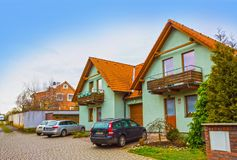 Ricany, república de Cszech - 2 de janeiro de 2018: Construção moderna na vila Ricany, situado perto de Praga Fotografia de Stock Royalty Free