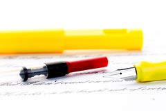 Ricarica della penna stilografica immagine stock