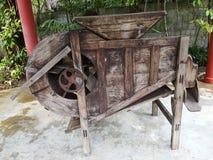 Riceâ€-‹milling†‹machine†‹ stockfotos