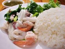 Rice dekatyzował owoce morza Zdjęcia Stock