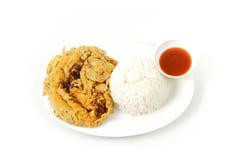 Rice i wieprzowina omlet ja jest popularnym tradycyjnym Tajlandzkim stylowym jedzeniem fotografia stock