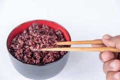 Rice siekał białych chopsticks Obraz Royalty Free