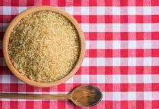 Rice w drewnianym pucharze Zdjęcie Stock