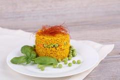 Rice z zielonymi grochami Zdjęcia Royalty Free