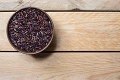 Riceberry pode dentro imagens de stock