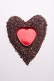 Riceberryrijst in hartvorm en rood hart Stock Foto's
