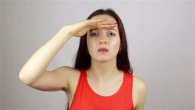 Ricerca del gesto dalla bella giovane donna video d archivio