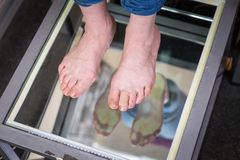 Ricerca del piede di Digital di punto, ricerca del piede di Orthotics per i sottopiedi su ordine della scarpa, posizione ed anali fotografie stock