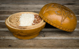 Rices i en wood bunke Fotografering för Bildbyråer