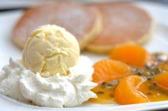 Ricetta arancio dello sciroppo del pancake Fotografia Stock Libera da Diritti