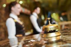 Ricezione dell'hotel con la campana Fotografia Stock
