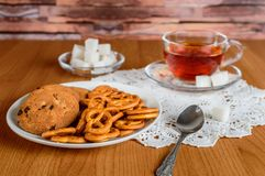 Rich tea in a glass Cup. cookies and refined sugar Stock Photography