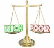Rich Vs Poor Have o no guerra de clase de la balanza de la escala 3d Illustra Imagenes de archivo