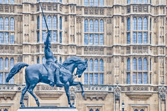 Richard-1. Statue in London, England Stockbilder