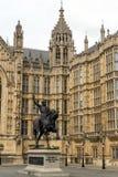 Richard I monument framme av hus av parlamentet, London, England, Förenade kungariket Royaltyfria Foton