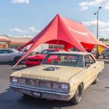 Richard Rawlings gazu małpy garażu 1967 Dodge strzałka, Woodward Dr Zdjęcia Royalty Free