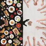 Richesse et pauvreté Vue de au-dessus de la table Photo stock