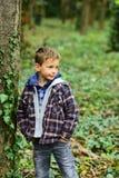 Richieda tempo per voi stesso Bambino piccolo adorabile Gioco del bambino piccolo in parco Il mio fine settimana perfetto sta and fotografia stock libera da diritti