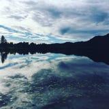 Richiedente tranquillo di immagine di specchio della Norvegia Fotografia Stock Libera da Diritti