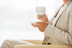 Richiedere tempo per la pausa caffè fotografia stock libera da diritti