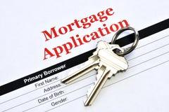 Richiesta di ipoteca di Real Estate con le chiavi della Camera immagini stock libere da diritti