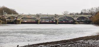 Richmond Lock, Surrey, Regno Unito immagini stock libere da diritti