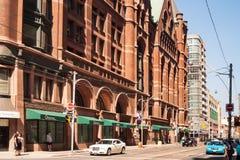 Richmond och Yonge genomskärning i Toronto, Kanada Arkivfoto