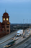 Richmond Virginia e torre di orologio storica a penombra immagine stock libera da diritti