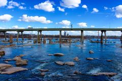Richmond Virginia Skyline Summer James River immagine stock libera da diritti