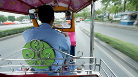 Richshaw in Bangkok stock videobeelden
