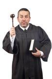 Richter, der den Hammer und das Buch anhält stockfotos
