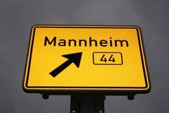 Richting teken aan Mannheim Stock Afbeelding