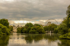 Richting twee aan stad of van Londen Oog Royalty-vrije Stock Afbeelding