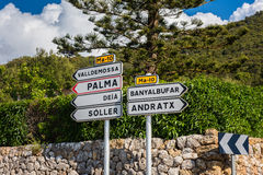 Richtingtekens in Mallorca Stock Afbeelding