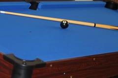 Richtsnoer en bal op poollijst Royalty-vrije Stock Foto