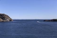 In Richtung zum Ozean Stockbilder