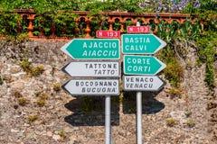 Richtungs- unterzeichnet herein Mittel-Korsika Stockfoto
