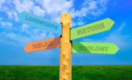 Richtungszeichen-Natur - Entspannung - Ökologie stockbilder