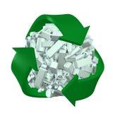 Riciclaggio del concetto con i percorsi di residuo della potatura meccanica Fotografia Stock