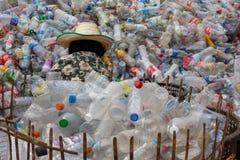 Riciclaggio di plastica immagine stock