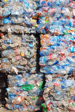 Riciclaggio plastica e delle bottiglie Fotografia Stock
