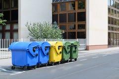 Ricicli i bidoni della spazzatura Fotografia Stock