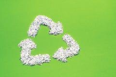 Ricicli su verde Fotografia Stock Libera da Diritti