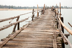 Rickety wooden bridge Royalty Free Stock Photos